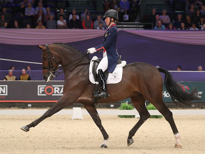 Charlotte dujardin mount st john freestyle win britain for Charlotte dujardin