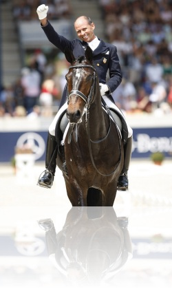 steffen-peters-and-ravel-aachen-grand-prix-freestyle-cdio-_t5u2014-web_0